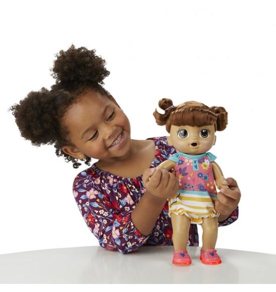 Baby Alive Smejúca sa bábika tmavovlasá